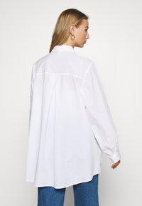 Monki - GERRI - Camisa - white - 2