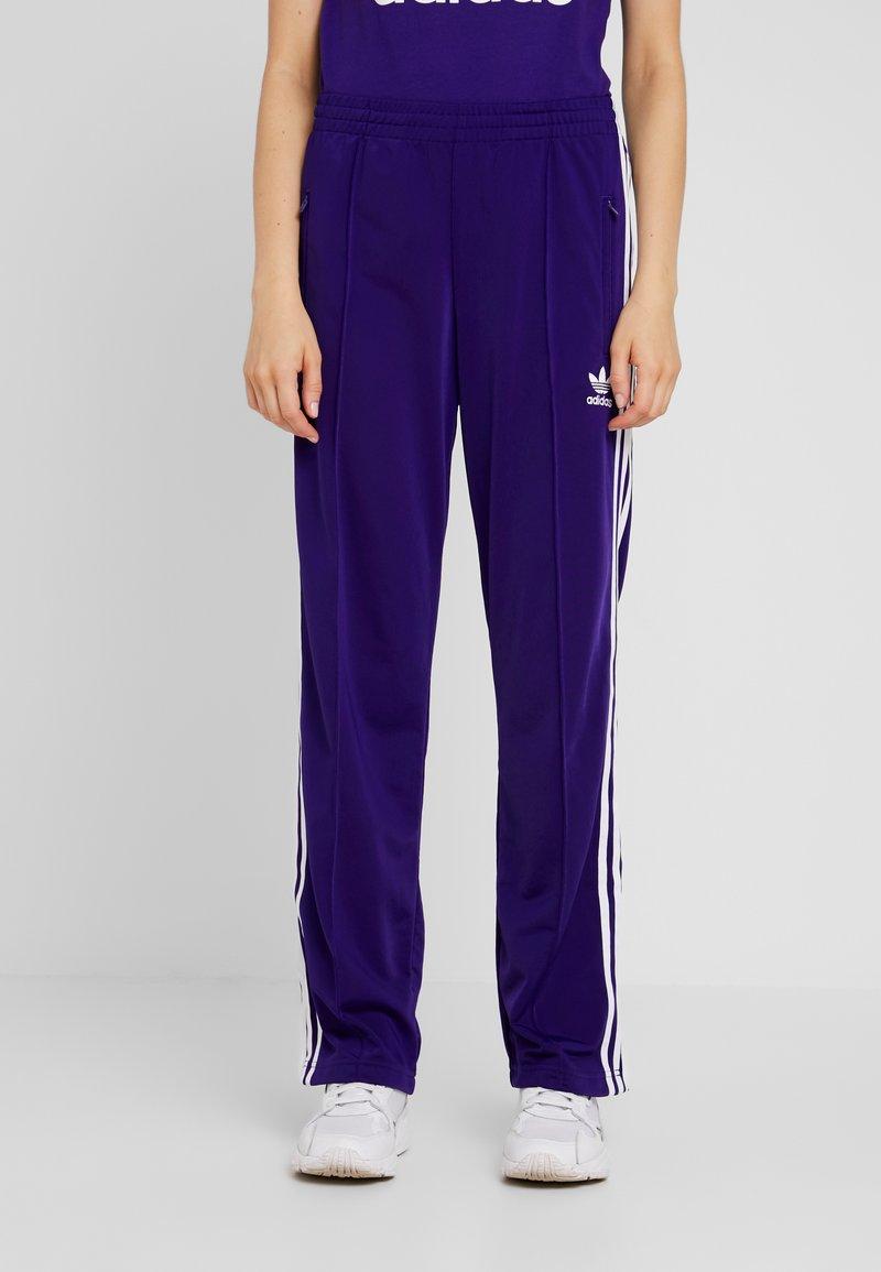 adidas Originals - FIREBIRD ADICOLOR TRACK PANTS - Verryttelyhousut - collegiate purple