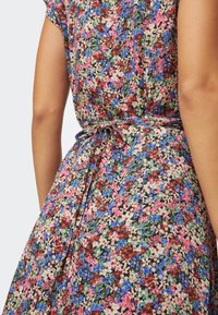 OYSHO - FLORAL  - Sukienka letnia - multi-coloured - 3