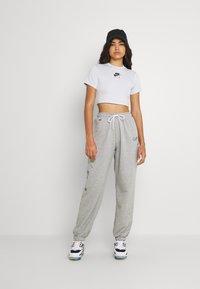 Nike Sportswear - AIR CROP - Print T-shirt - pure platinum - 1