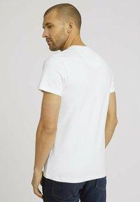 TOM TAILOR - Basic T-shirt - off white - 2