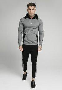 SIKSILK - ENDURANCE OVERHEAD HOODIE - Maglietta a manica lunga - grey/black - 0