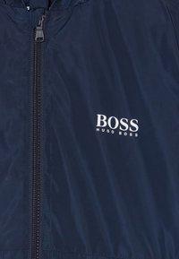 BOSS Kidswear - WINDBREAKER - Lehká bunda - navy - 4