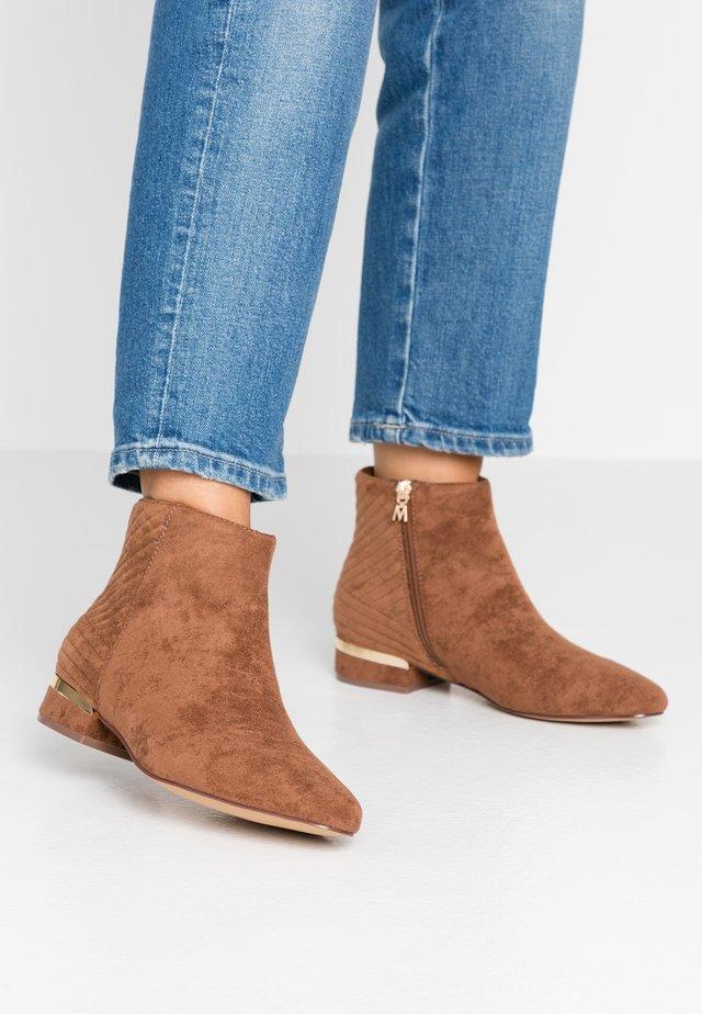 VILMA - Kotníkové boty - sofi chesnut
