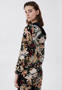 LIU JO - Zip-up sweatshirt - black with tropical print - 2