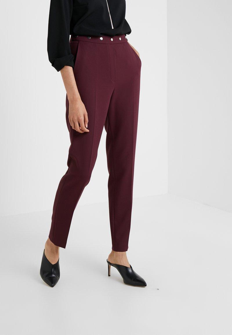 HUGO - HIEGA - Kalhoty - medium red