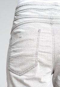 Gang - AMELIE - Tracksuit bottoms - light grey - 6