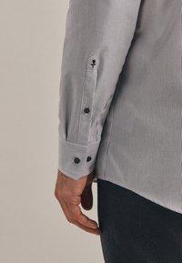 Seidensticker - Formal shirt - schwarz - 3