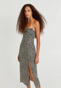 PULL&BEAR - Day dress - mottled black - 0