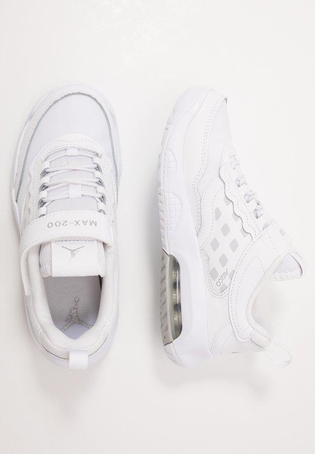 MAX 200  - Chaussures d'entraînement et de fitness - white/metallic silver