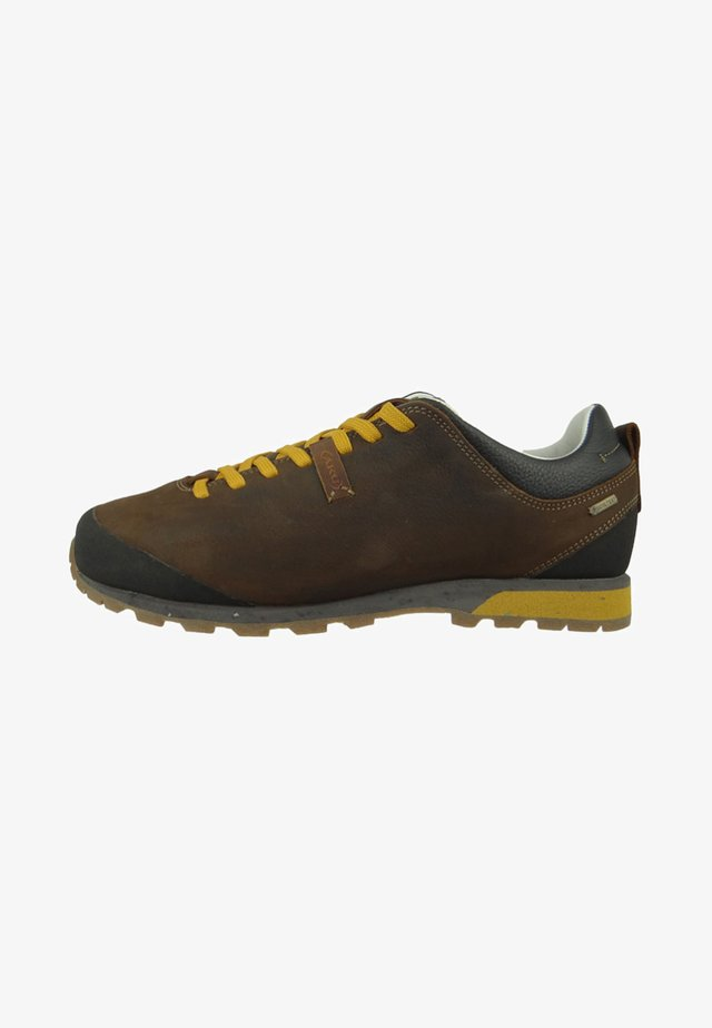BELLAMONT - Climbing shoes - dark brown/yellow
