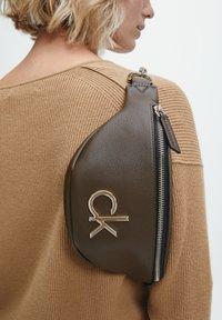 Calvin Klein - Bum bag - slate brown - 1