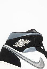 Jordan - AIR 1 MID SE - Höga sneakers - black/smoke grey/sail - 6