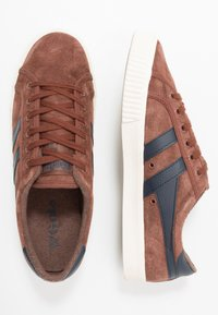 Gola - TENNIS MARK COX - Sneakersy niskie - cognac/navy - 1