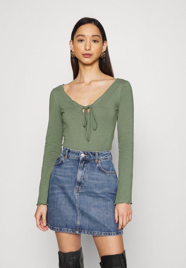 Long sleeved top - green