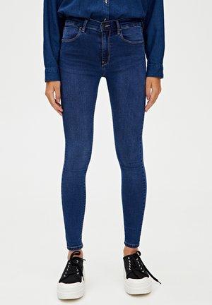 MIT HALBHOHEM BUND - Skinny džíny - blue