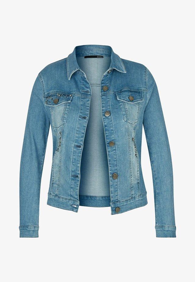 MIT GLITZERSTEINEN UND KNöPFEN - Denim jacket - blau