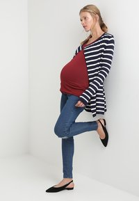 Zalando Essentials Maternity - Kardigan - peacoat - 1