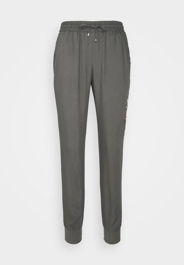 BAGY PANT  - Teplákové kalhoty - khaki