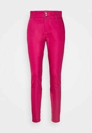 BLAKE NIGHT PANT SUSTAINABLE - Trousers - cherries jubilee