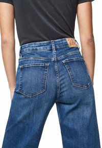 Pepe Jeans - DUA LIPA X PEPE JEANS - Džíny Bootcut - denim - 4