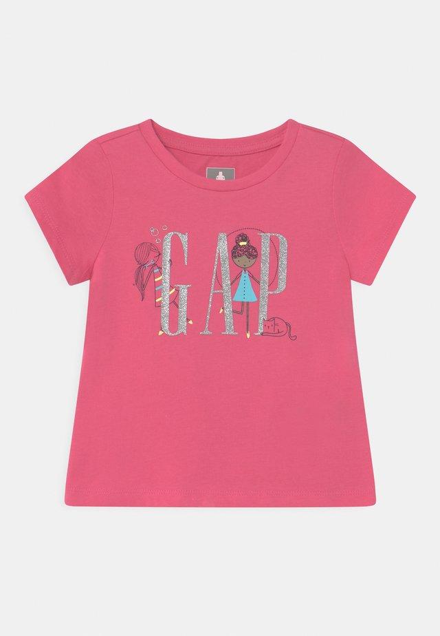 GIRL LOGO - T-shirt con stampa - bold pink