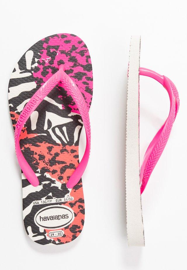 SLIM ANIMALS - Pool shoes - white/shocking pink