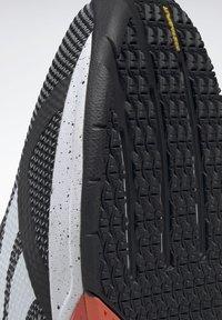 Reebok - NANO X - Chaussures d'entraînement et de fitness - black/white/vivid orange - 9