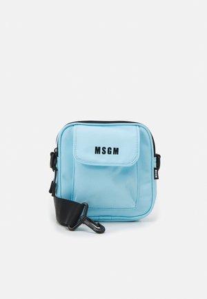 CAMERA BAG LOGO UNISEX - Across body bag - light blue