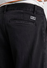 Obey Clothing - FUBAR PLEATED - Relaxed fit jeans - dusty black - 4