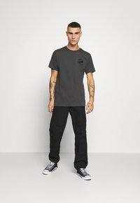G-Star - BIG LOGO BACK  - Camiseta estampada - light shadow - 1