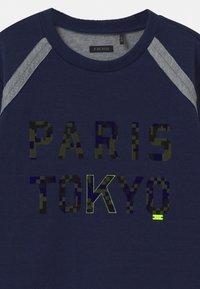 IKKS - TOKYO CAMOFLAUGE  - Long sleeved top - indigo/gris - 2