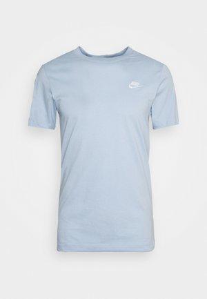 CLUB TEE - Basic T-shirt - psychic blue/white