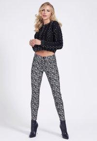 Guess - Jeans Skinny Fit - mehrfarbig, weiß - 1
