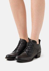 Felmini - DRESA - Lace-up heels - spot black - 0