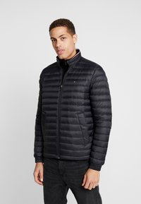 Tommy Hilfiger - CORE PACKABLE JACKET - Untuvatakki - jet black - 0