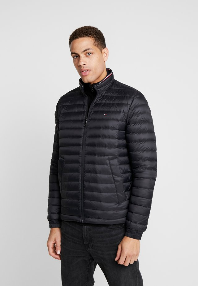 CORE PACKABLE JACKET - Down jacket - jet black