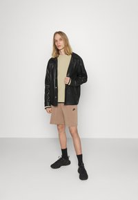 Nike Sportswear - Sweatshirt - grain/black - 1