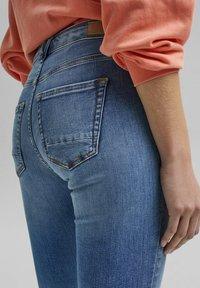 Esprit - Slim fit jeans - blue light washed - 7