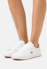 Lacoste - CARNABY EVO - Baskets basses - white/light pink - 0