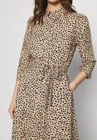 Dorothy Perkins - DRESS - Shirt dress - camel - 6
