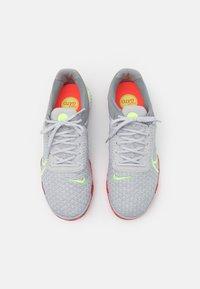 Nike Performance - REACTGATO  - Indoor football boots - grey fog/ghost green/wolf grey - 3