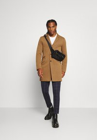 Only & Sons - ONSJULIAN KING COAT - Cappotto classico - camel/melange - 1