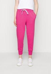 Polo Ralph Lauren - FEATHERWEIGHT - Pantaloni sportivi - peony - 0