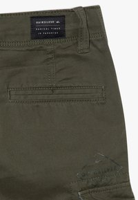 Quiksilver - CRUCIAL BATTLE YOUTH - Pantaloni cargo - thyme - 2