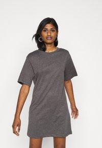 Even&Odd Petite - 2 PACK - Žerzejové šaty - black/dark grey - 4