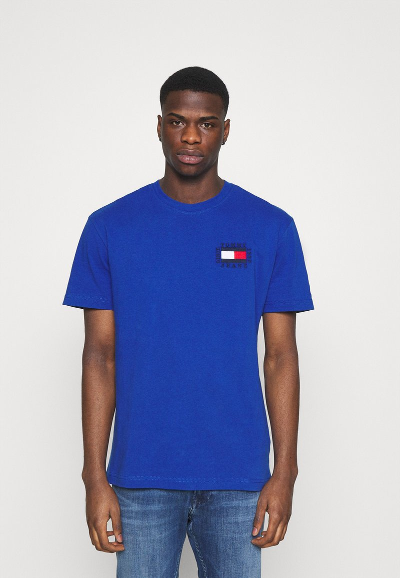 Tommy Jeans - BOX FLAG TEE - T-shirt con stampa - blue