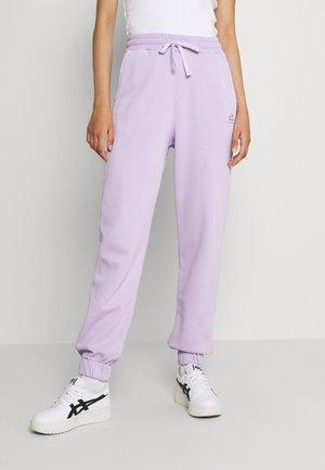 CHROMA CAPSULE JOGGERS - Tracksuit bottoms - purple