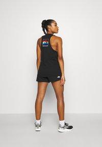 The North Face - RAINBOW SHORT - Sports shorts - black - 2