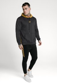 SIKSILK - PANEL TAPE OVERHEAD HOODIE - Jersey con capucha - black/gold - 1